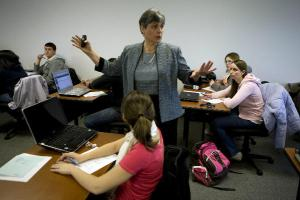 0321-professor-teaching-at-Southern-New-Hampshire-University-School-of-Business_full_600